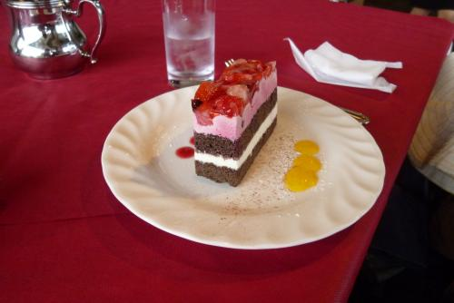ケーキセット(いちごとべりーのケーキ)