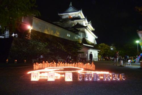 天守閣前広場の竹燈夜