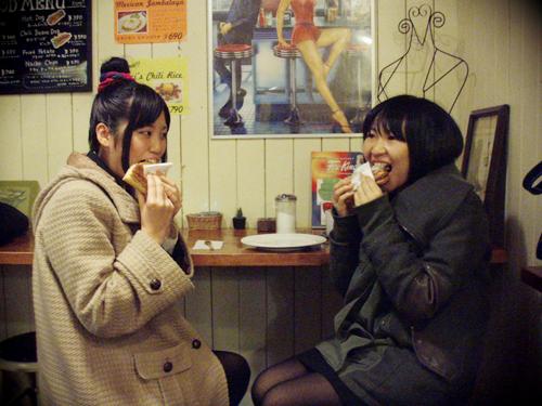 Eating_Elvis_Killer_Sandwich2.png