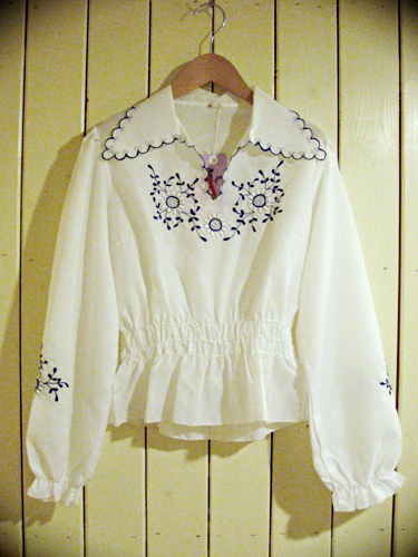 Flower_Embroidery_Blouse.png