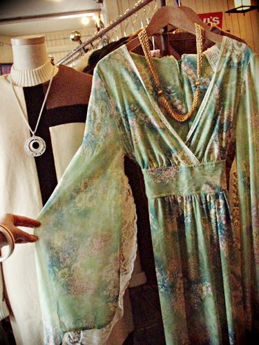 Pale_Green_Flower_Long_Dress4.png