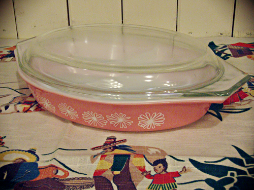 Pink_Daisy_Pyrex.png