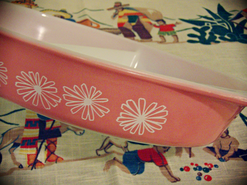 Pink_Daisy_Pyrex3.png