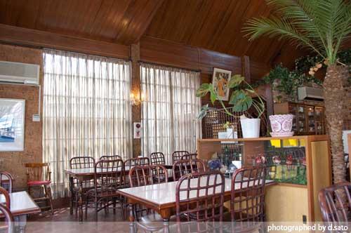 神奈川県 秦野市 レストラン グルメ レトロ インテリア ハンバーグ ランチ 洋食屋 吹き抜け 居心地が良い 空間 3