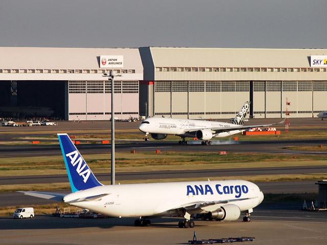 A350_haneda_1.jpg