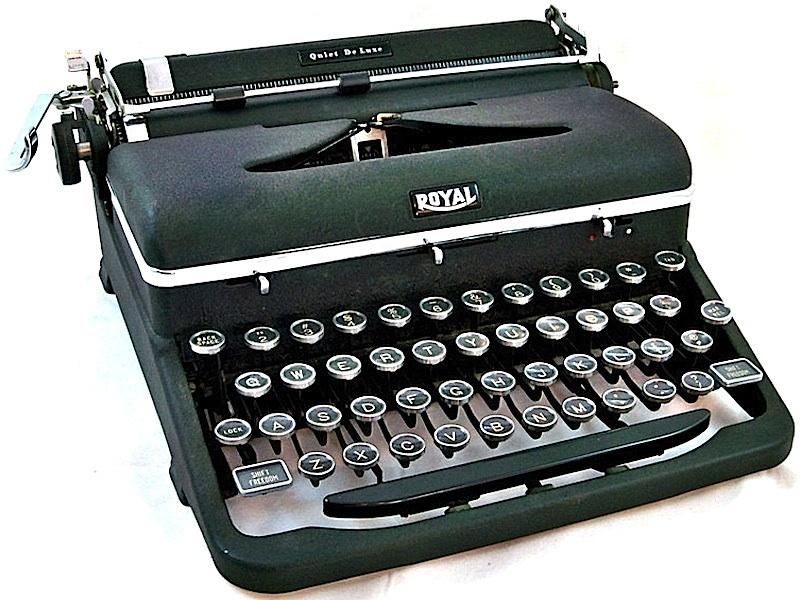 Royal_Quiet_DeLuxe_Portable_1941-800PX1.jpg