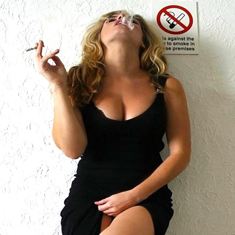 SMOKING_QUEEN800PX.jpg