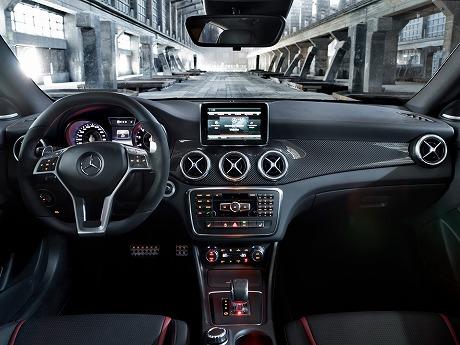 New-Mercedes-CLA-45-AMG-12[2]