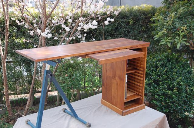 desk2012-1.jpg