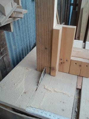 グラインダーを置く台 (2)