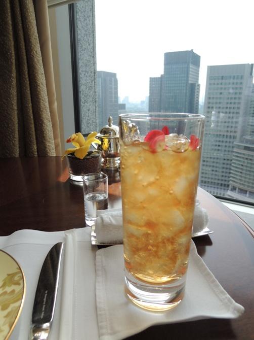 シャングリ・ラ ホテル 東京 ザ・ロビーラウンジ アフタヌーンティー ③(紅茶)レビュー 茶葉がまさかのディルマ!