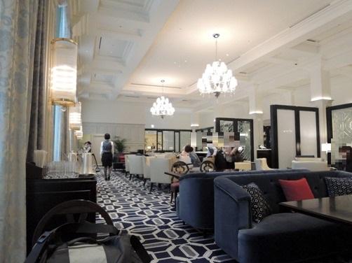 東京ステーションホテル ロビーラウンジに、フレンチトースト&紅茶を飲みに行く②(フルーツを添えたフレンチトースト、紅茶にベッジュマン&バートン)