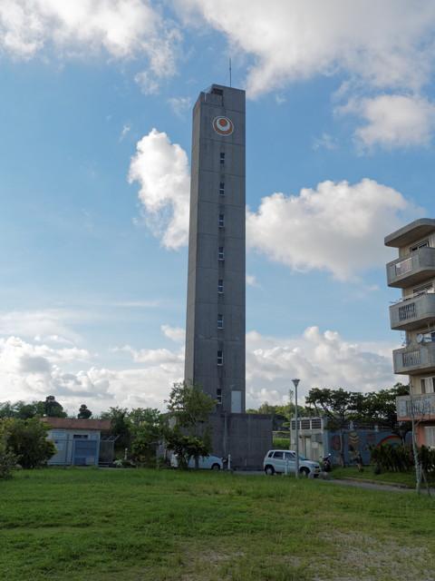 沖縄県営大頓団地の給水塔東側