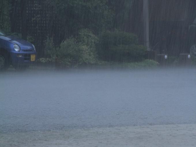 猛暑日に襲った猛烈な雨