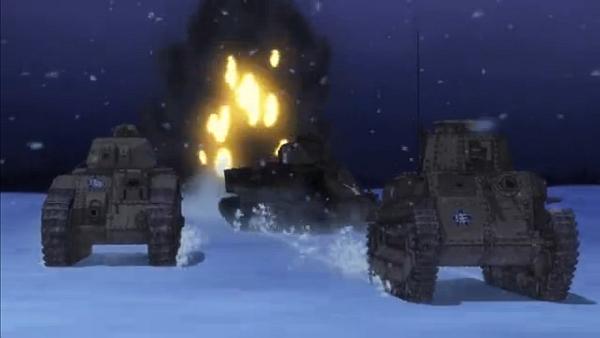 フラッグ車の八九式の盾となって沈むM3