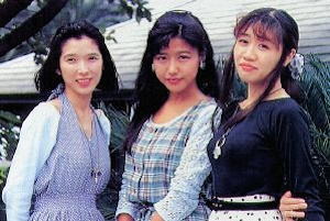 女神三姉妹(中は井上喜久子、右は冬馬由美)
