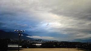 晩秋の曇天