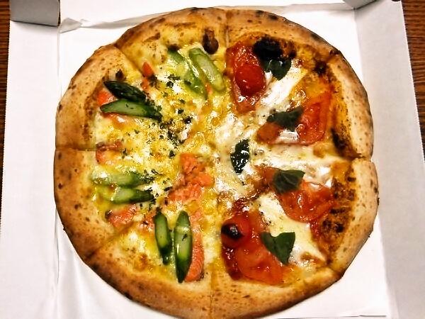 ナポリの窯のピザ
