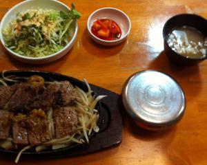 韓国食堂ステーキ定食