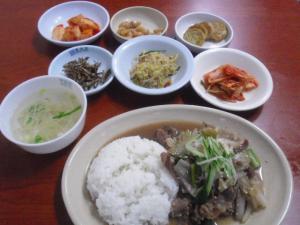 ソウル丼皿盛り牛丼