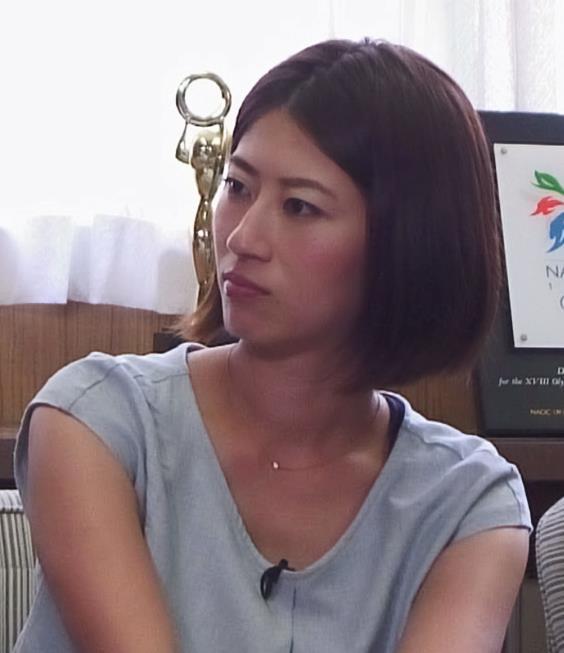 岡村仁美 胸ちらキャプ・エロ画像2