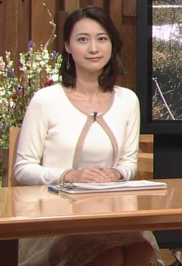 小川彩佳 胸のふくらみ (報道ステーション 20130929)画像