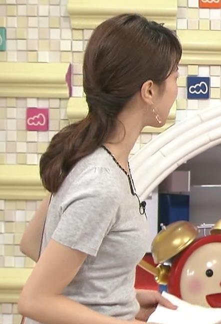 加藤綾子 ぴったりした服。おっぱいがクッキリ!キャプ画像(エロ・アイコラ画像)