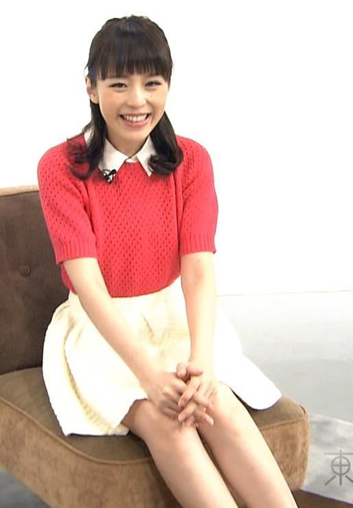 平野綾 ミニスカートキャプ・エロ画像2