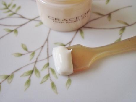 何を使っても乾燥する肌にも 贅沢な保湿を「グラスオール」!