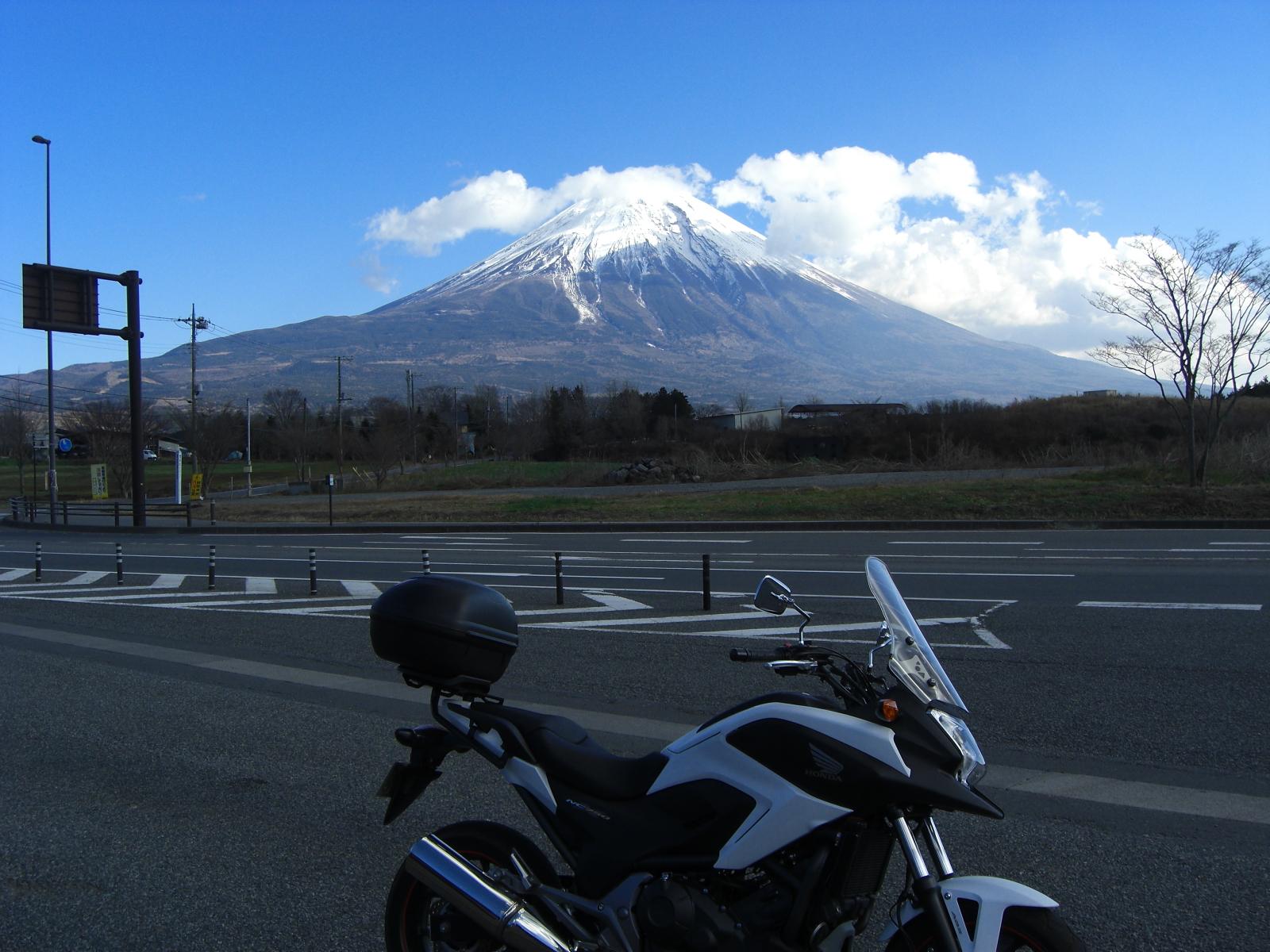 極寒・富士山周遊ツーリング 朝霧高原からの富士山