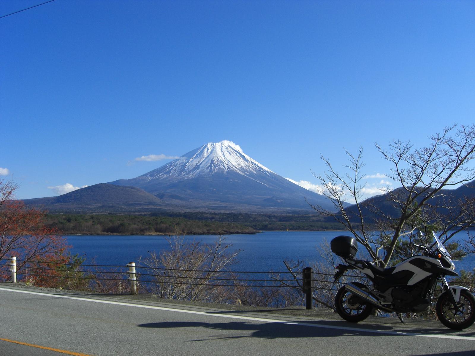 極寒・富士山周遊ツーリング 本栖湖からの富士山