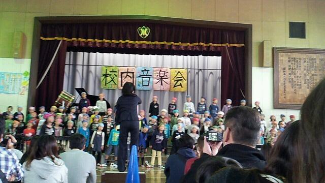 校内音楽会の風景